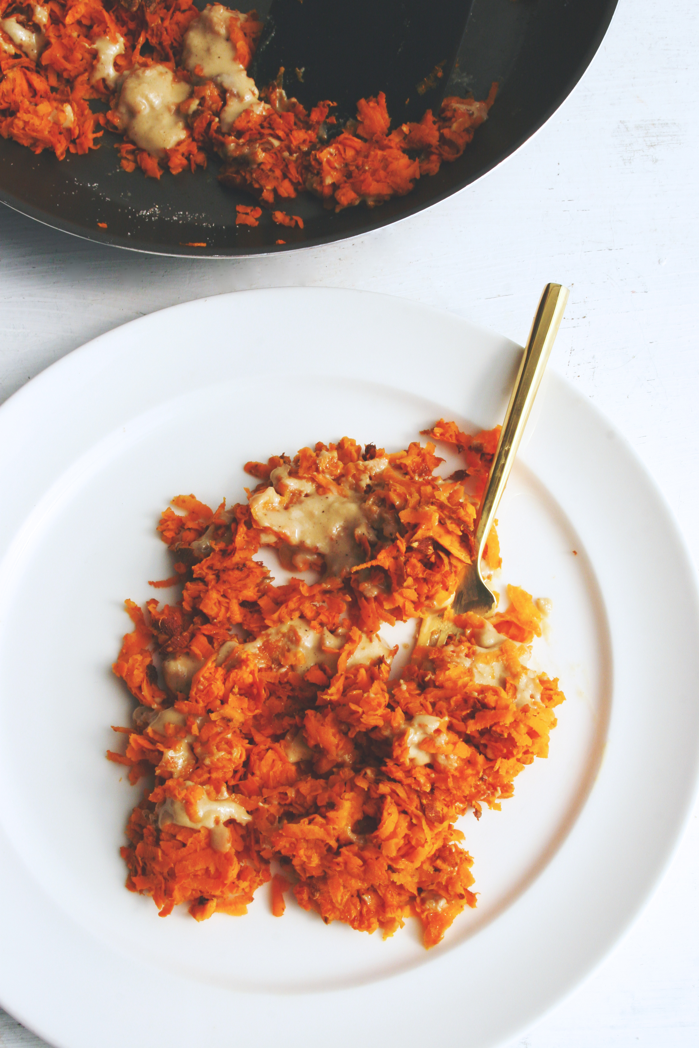 sweet potato skillet hash browns with tahini / super simple, delicious vegan & gluten-free dish
