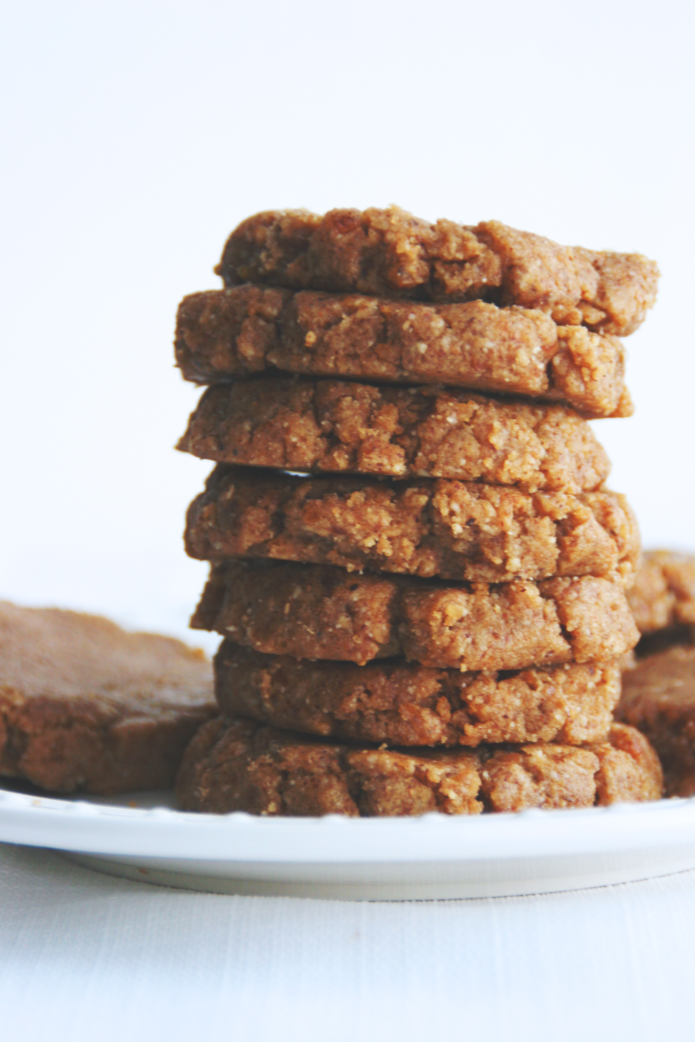 almond butter cookies // raw, vegan, gluten-free, sugar-free