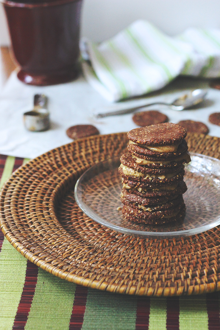 almond butter RAWEOS // raw, vegan, gluten-free, refined sugar-free