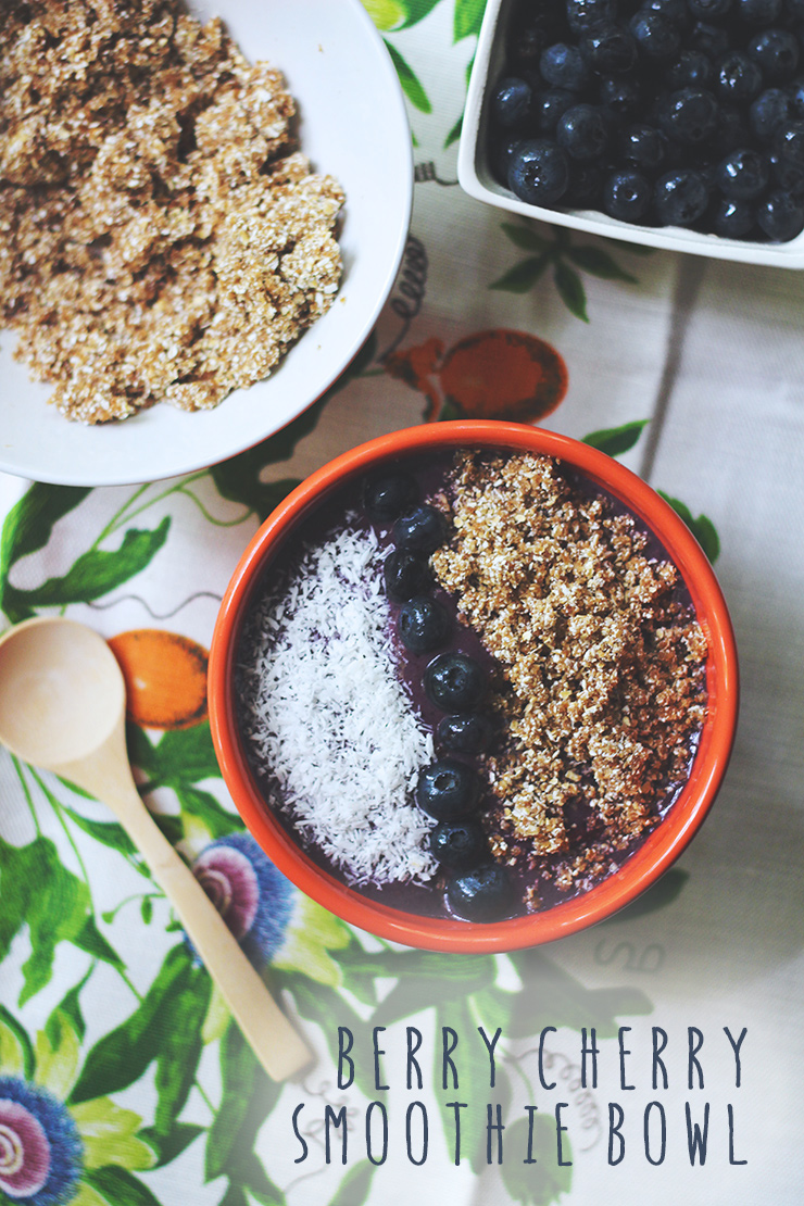 berry cherry smoothie bowl with rawnola // raw, vegan, gluten-free, refined sugar-free