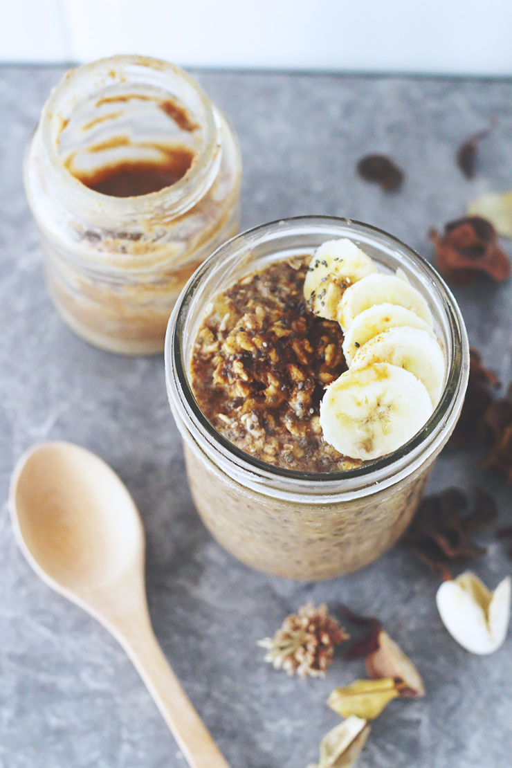 cinnamon almond butter banana overnight oats