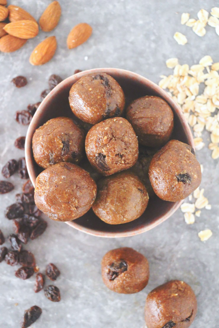 no-bake vegan oatmeal raisin energy bites #vegan #healthy #recipe