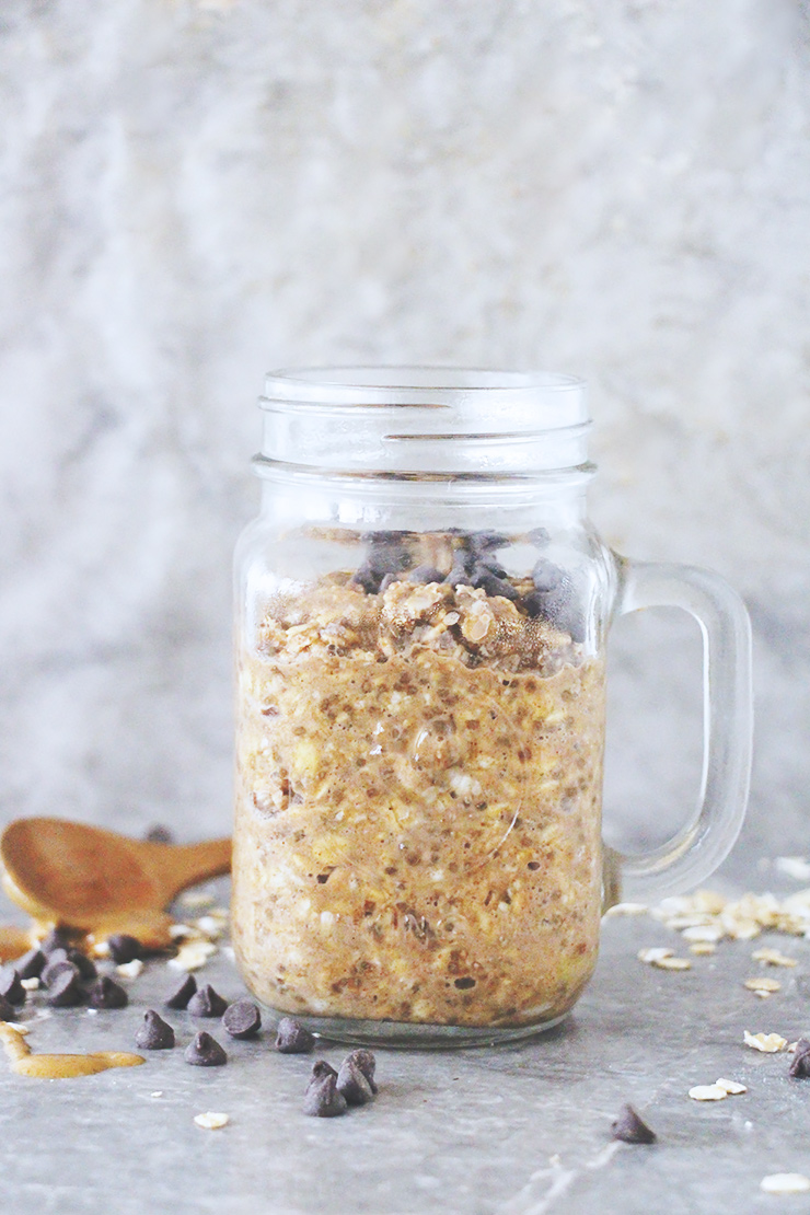 peanut-butter-chocolate-chip-overnight-oats-10